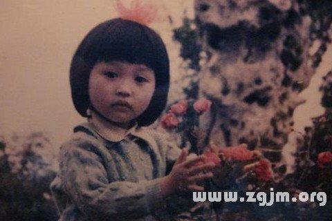 梦见小时候的照片_周公解梦梦到小时候的照片是什么意思_做梦梦见小时候的照片好不好