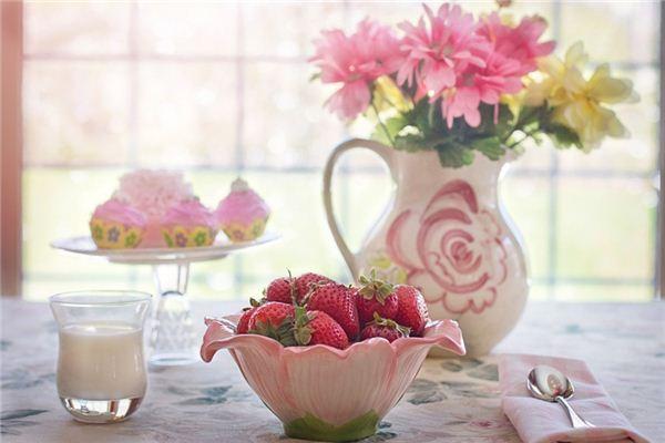 梦见草莓_周公解梦梦到草莓是什么意思_做梦梦见草莓好不好