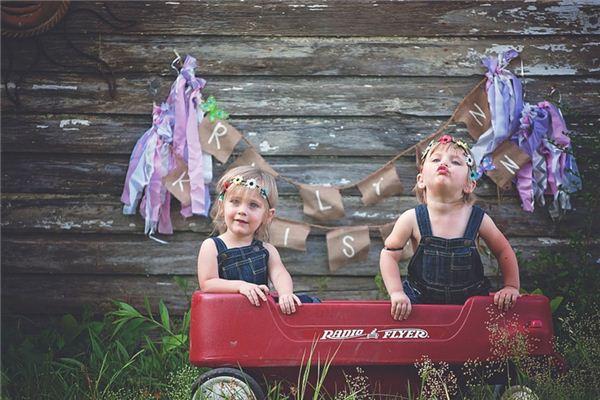 梦见双胞胎_周公解梦梦到双胞胎是什么意思_做梦梦见双胞胎好不好