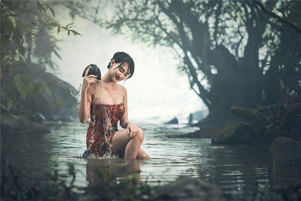 梦见进洗澡堂_周公解梦梦到进洗澡堂是什么意思_做梦梦见进洗澡堂好不好