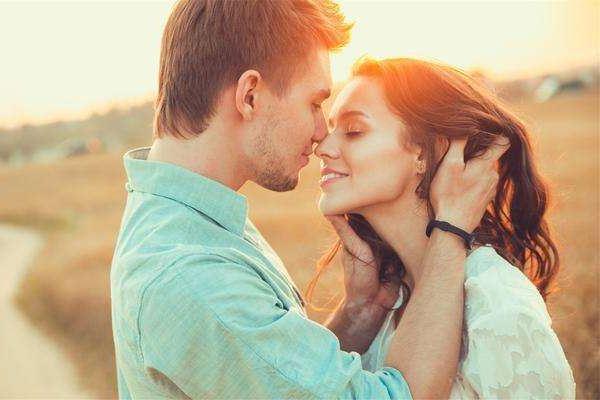 梦见倾听其他已婚男人的心声