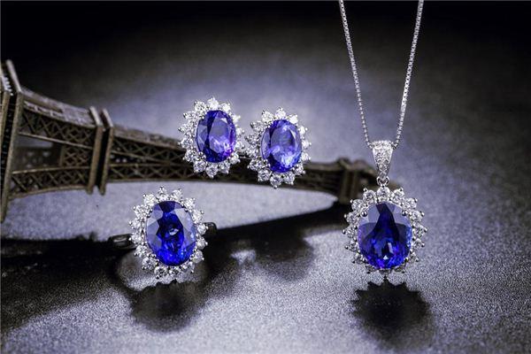 孕妇梦见金银珠宝_周公解梦 孕妇梦见金银珠宝是什么意思_孕妇梦见金银珠宝好不好