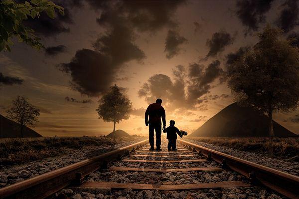 梦见抱孩子_周公解梦梦到抱孩子是什么意思_做梦梦见抱孩子好不好