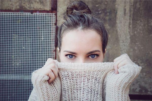 梦见眼睛_周公解梦梦到眼睛是什么意思_做梦梦见眼睛好不好