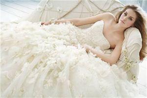 梦见裙子好漂亮_周公解梦梦到裙子好漂亮是什么意思_做梦梦见裙子好漂亮好不好